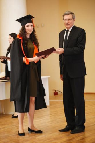 Khlobustova-vruchenie-diploma